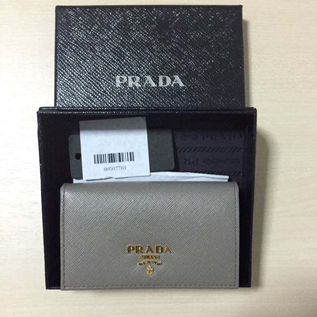 00df3ab107f7 PRICE REVISED)*Brand New & Authentic* Prada Saffiano Leather Bifold ...
