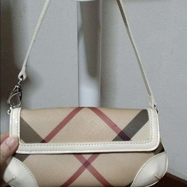 Pre-loved Burberry - Small Handcarry Bag