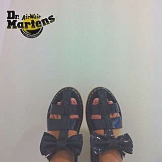 PENDING! Dr martens Aggy bow Sandals Navy
