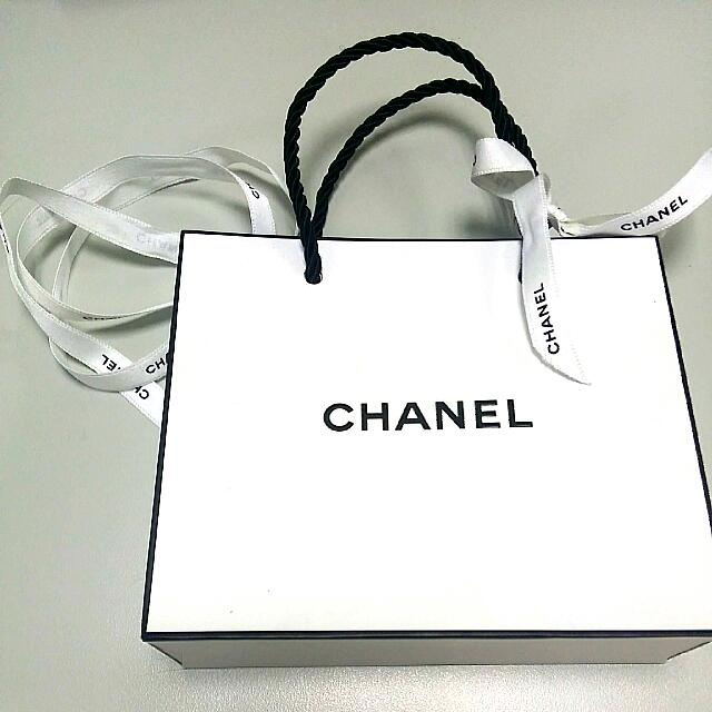 35a02ec7acf4ba New] Chanel White Paper Bag With Extra White Chanel Ribbon, Luxury ...
