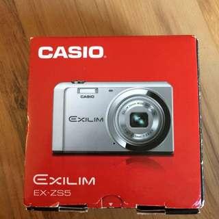 Camera - Casio Exilim EX-ZS5