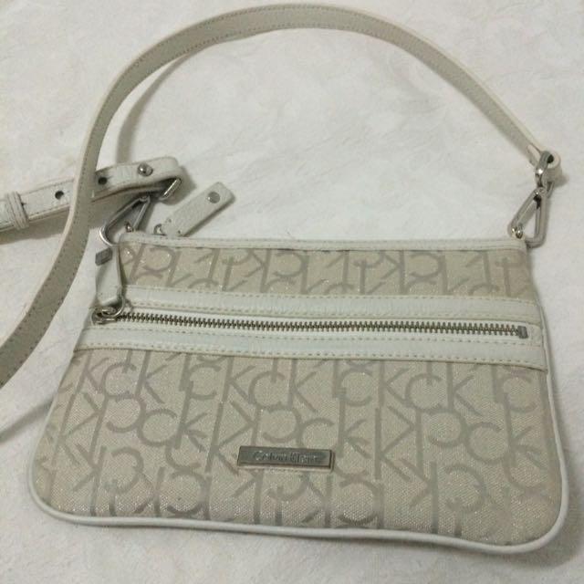 Calvin Klein Sling / Crossbody Bag