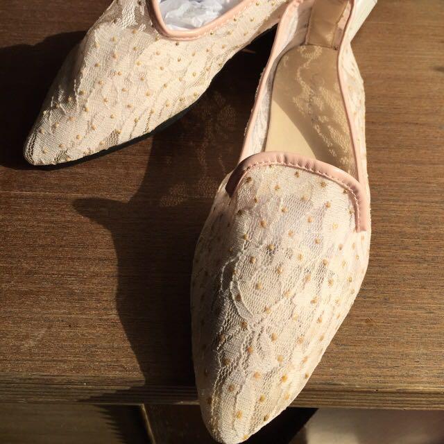 全新 蕾絲平底鞋