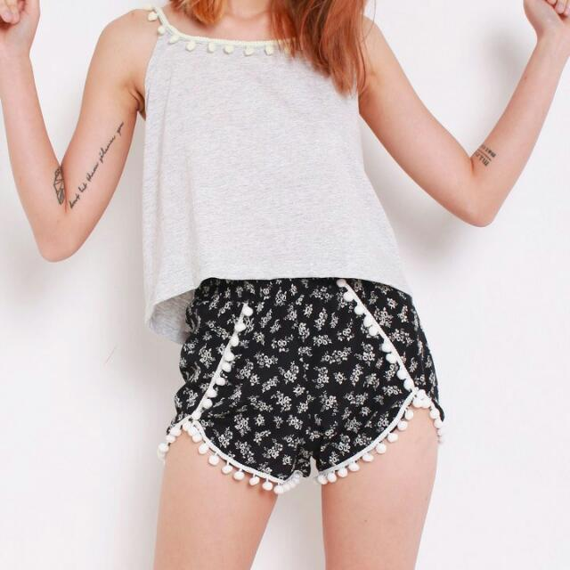 [INSTOCK] Floral Pom Pom Shorts