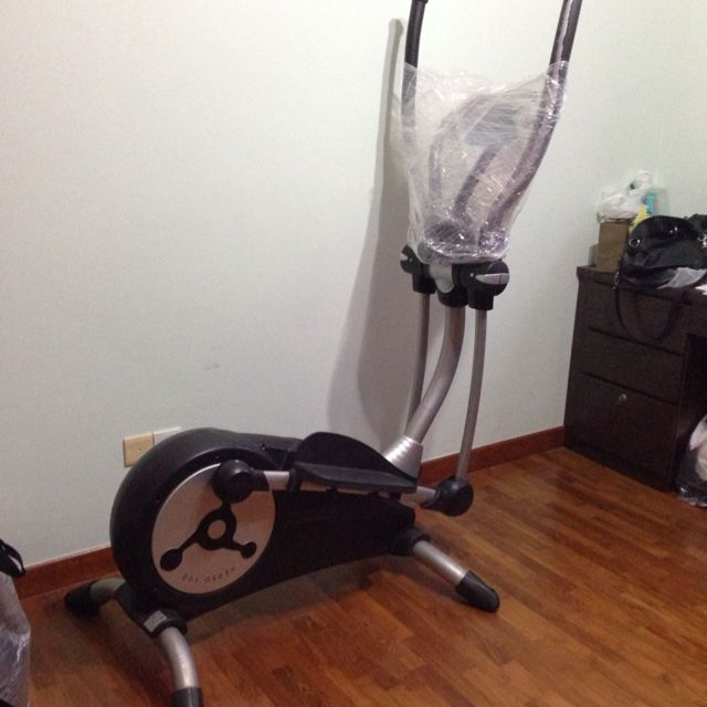 Nieuw KETTLER VERSO 100 Cross Trainer, Sports on Carousell QF-01