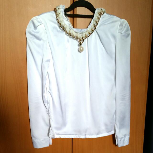 White Chain - collared Blouse
