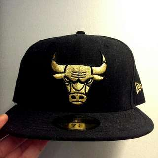 New Era Gold Chicago Bulls Baseball Cap Fitted With Underbrim Lettering