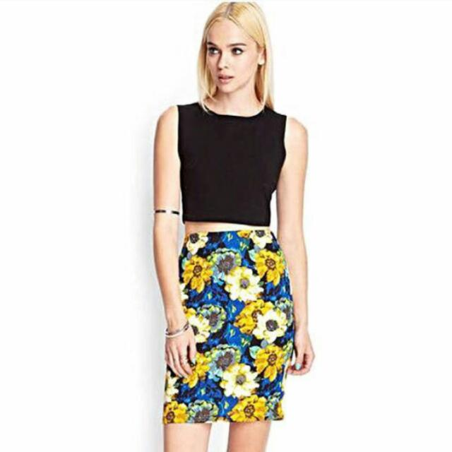 b3652ddb1c Forever 21 Watercolor Floral Pencil Skirt, Women's Fashion on Carousell
