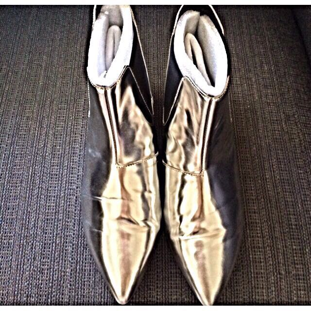 Venilla Suite Silver Leather Boots, one boot scratched
