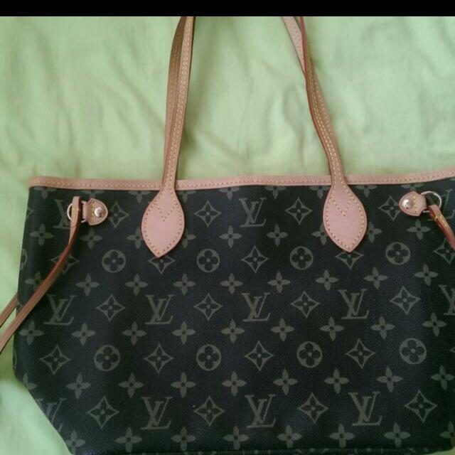 3f3b3044f268 Reserved) LV Tote Bag (Small)