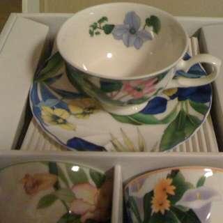 Floral Fine Porcelain Tea Set