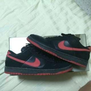 pretty nice 4a2ee ea089 Nike Dunk Low SB True Red