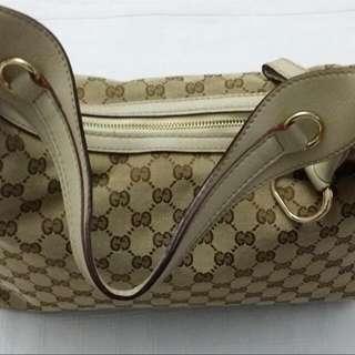 Preloved- Gucci Shoulder Bag (Medium Size)