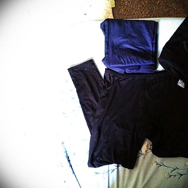 3 Thermal Leggings From Uniqlo Size XL