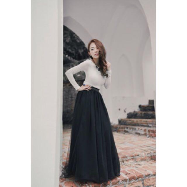 32c597452 BNIB VAINGLORIOUSYOU SWAN BY VGY Aurelie Ballerina Mesh Tulle Maxi Skirt in  Black V2 (M), Women's Fashion on Carousell