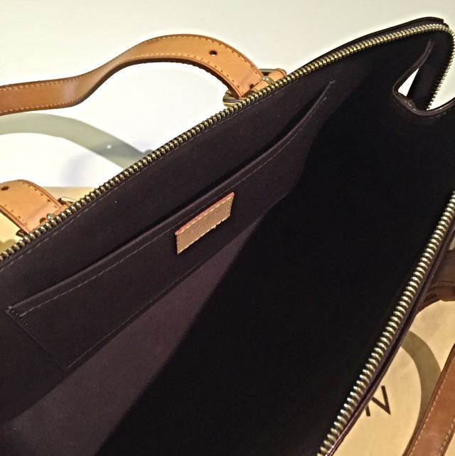 4cd075c00945 Price Greatly Reduced! LOUIS VUITTON -