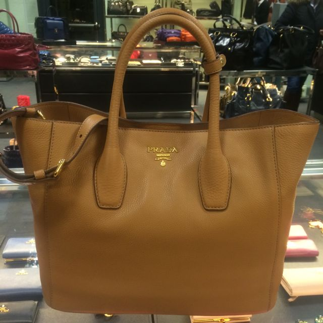 61f7f185d1d4 🎁 BRAND NEW ~ PRADA Vitello Daino Leather Shopping 2-Way Tote BN2694,  Luxury on Carousell