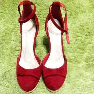 大腳大尺碼42號蝴蝶結復古質感大紅高跟鞋