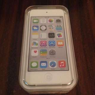 iPod Touch Silver Grey 16GB Gen 5 BNIB
