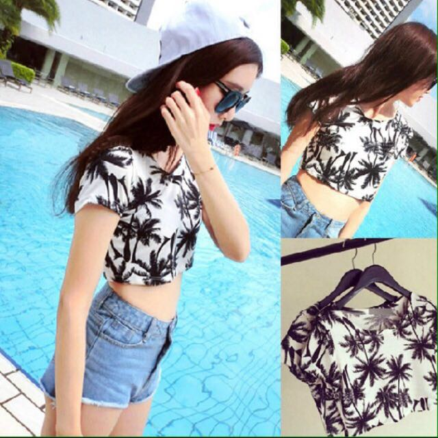 🌴 Palm tree crop top 🌴