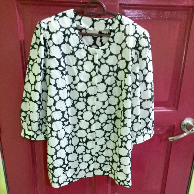 Black+White Vintage Blouse