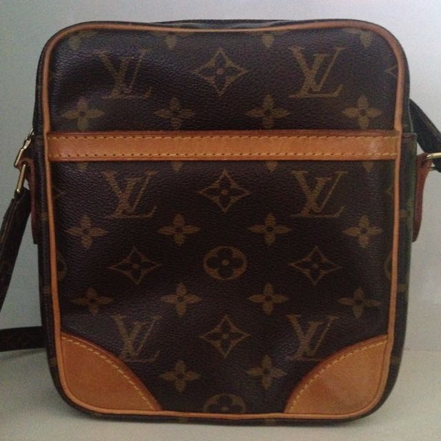 Louis Vuitton Made In France >> Authentic Louis Vuitton Full Leather Sling Bag Made In