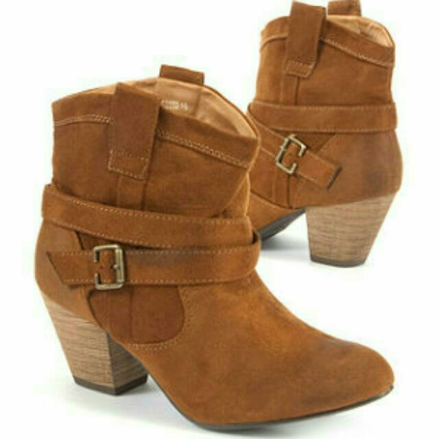 ea339d1af12 New Look Western Ankle Boots