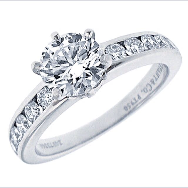 ee715f11c Tiffany & Co Platinum Diamond Solitaire Ring, Luxury on Carousell