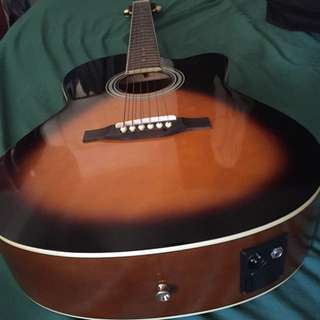 Electro-Acoustic Guitar built-in Tuner & case
