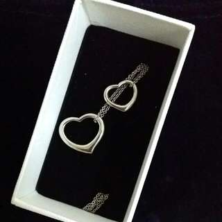 BNIB Double Sliver Hearts Necklace