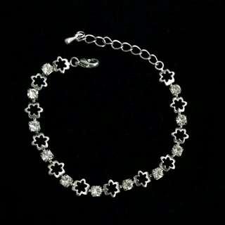 Chomel Sliver Charm Bracelet