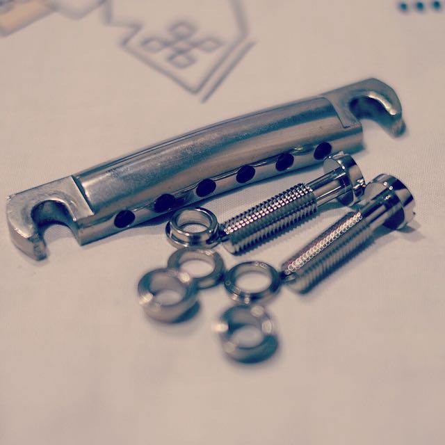 Gibson aluminum Tailpiece And Faber Locking Studs