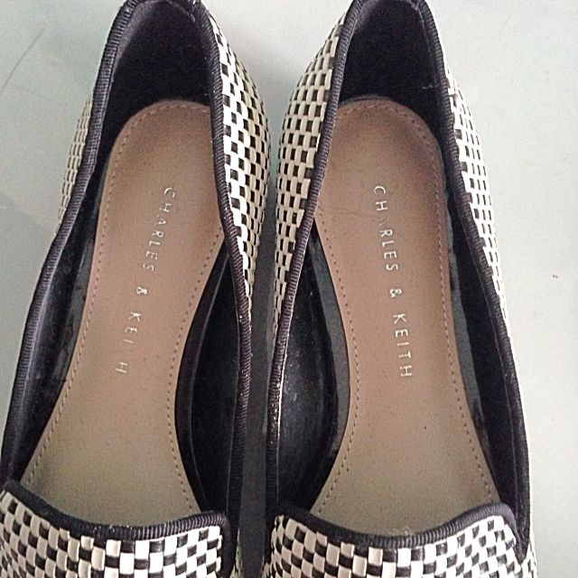 *Price Reduced* BN Never Been Use Before Charles And Keith Weaved Shoes. Size 35. Originally $55. Don't Fit My Style. No Trades. Price Negotiable.