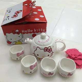 Hello Kitty Sanrio Tea Set BNIB