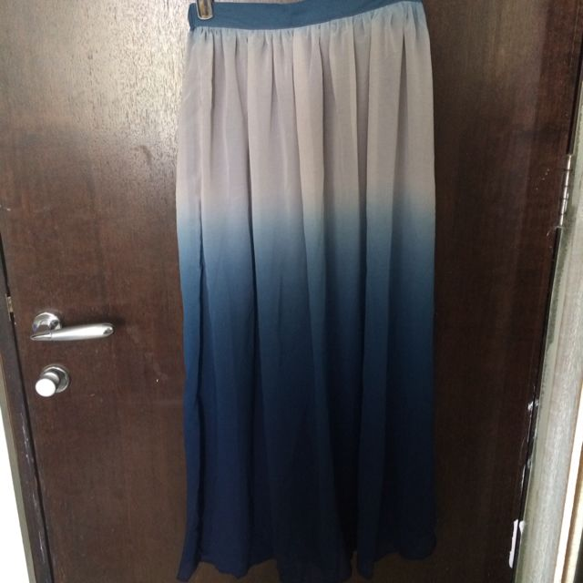 Gradient Maxi Skirt