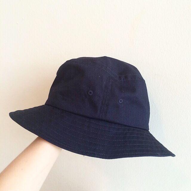17555fbe35f  RESERVED  MUJI navy blue bucket hat