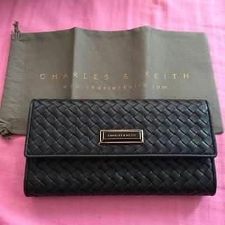 PENDING Brand new charles & keith Wallet