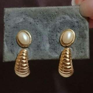 Vintage Gold With Pearl Studs & Gold C-earrings Set
