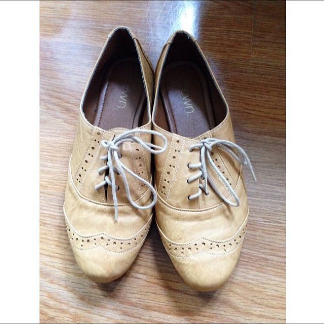 sewn brogue shoes
