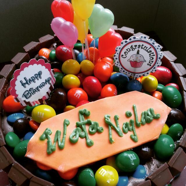 Kitkat mm Birthday Cake 1kg Everything Else on Carousell