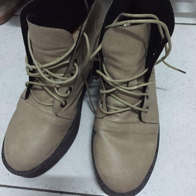 米色厚底鞋