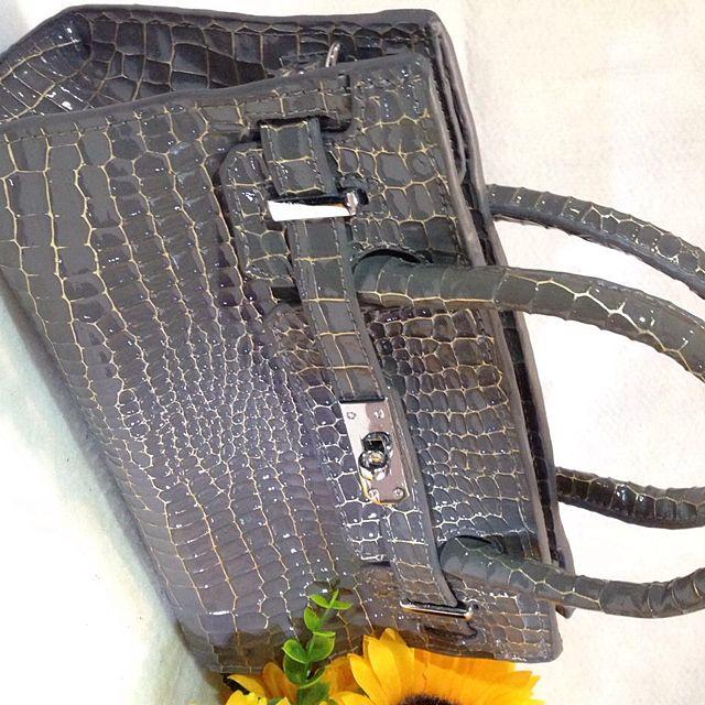 仿鱷魚皮手提包