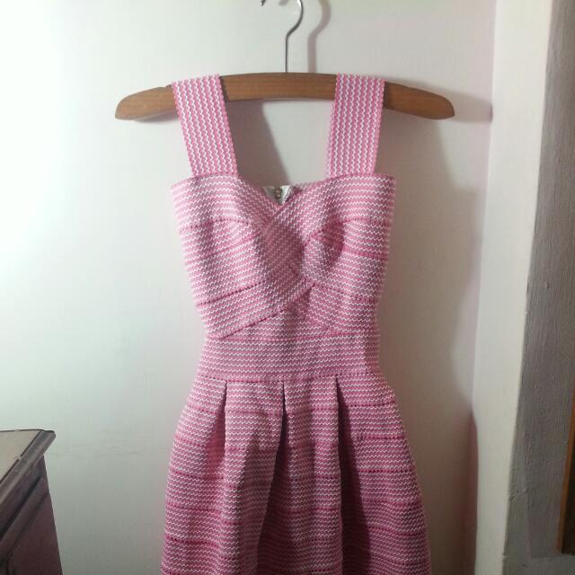 【二手】粉色繃帶彈性洋裝