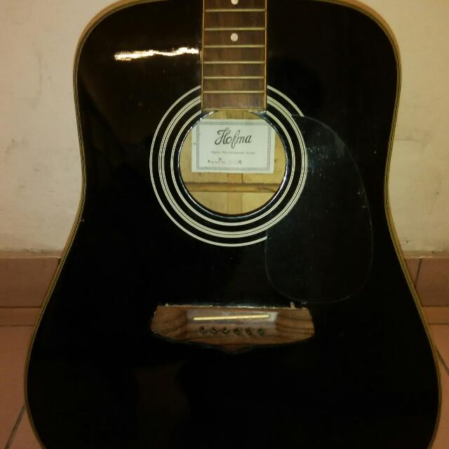 Acoustic Guitar Hofma