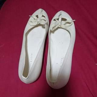 Charles & Keith Flats (size 40)