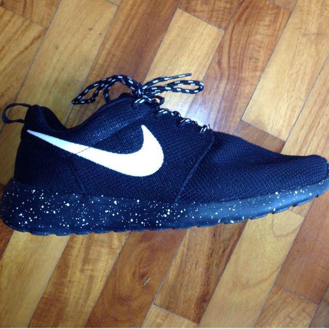 Authentic Nike Dark Galaxy Roshes f9f095898559