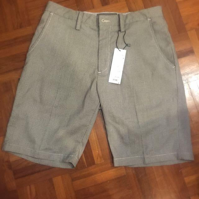 Brand New Lowrys Farm Men - Three Quarter Pants (Medium)