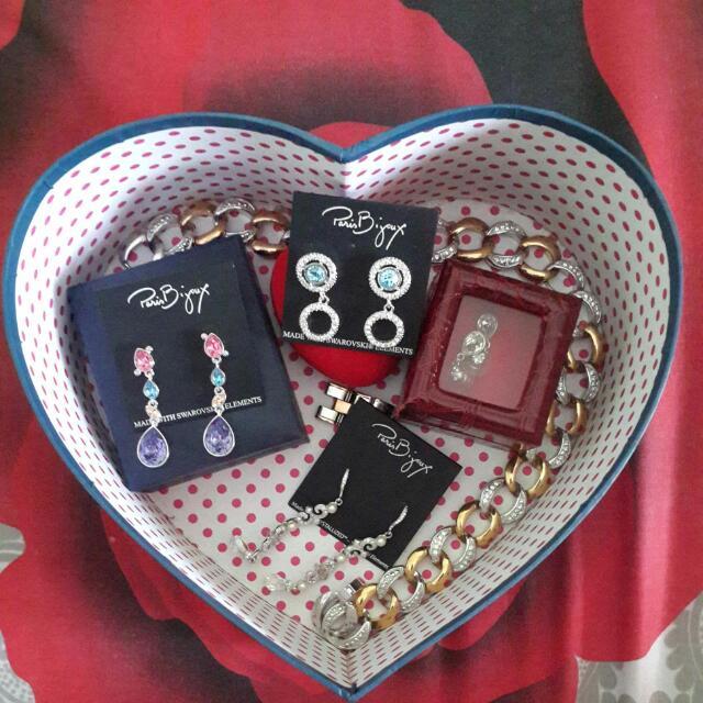 Paris BIJOUX, NBU (mostly) Earings & Necklace, For Sale... (100-300K)