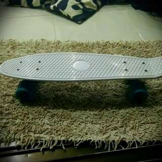 Penny Board (White Blue)