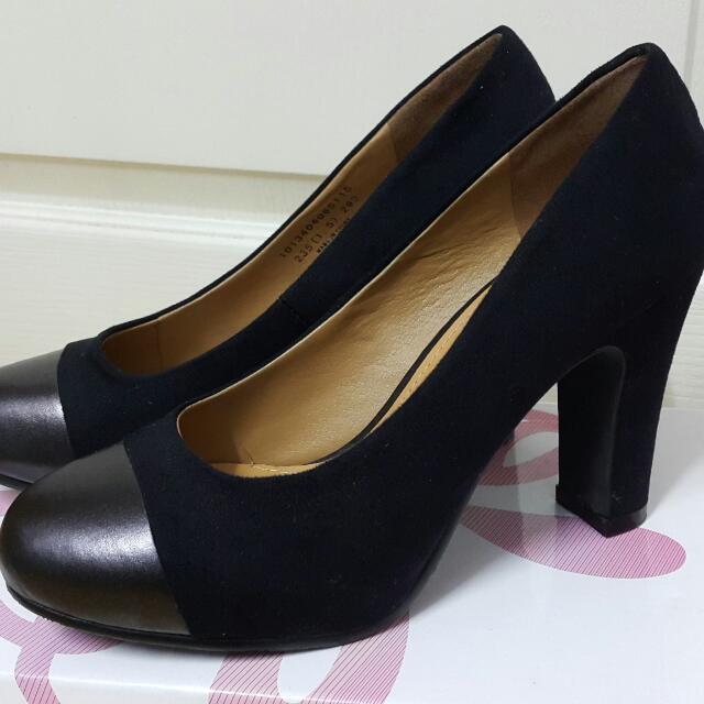 達芙妮麂皮高跟鞋